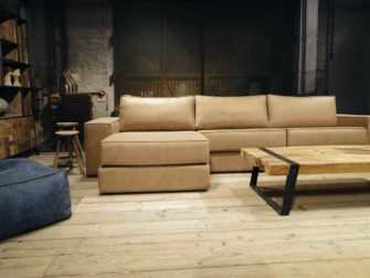 robuuste bank met chaise longue gedeelte