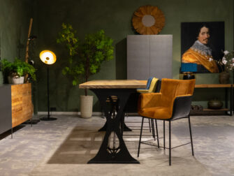 bartafel met krukken