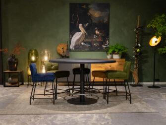 barkrukken met hoge tafel