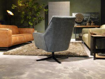 industrieel grijze fauteuil