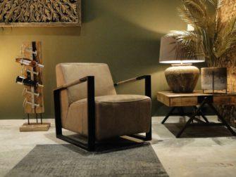 Robuuste fauteuil met beige bekleding