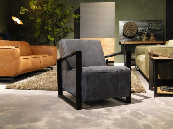 Donkerblauwe stoel
