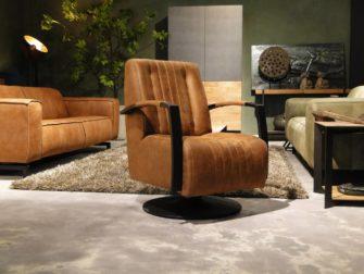Robuuste fauteuil op voet