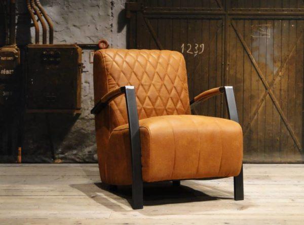 Stoere industriële fauteuil cognac
