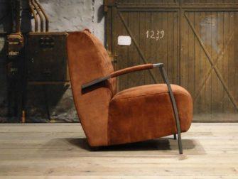 Stoere industriele fauteuil