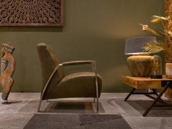 olijfkleurige fauteuil