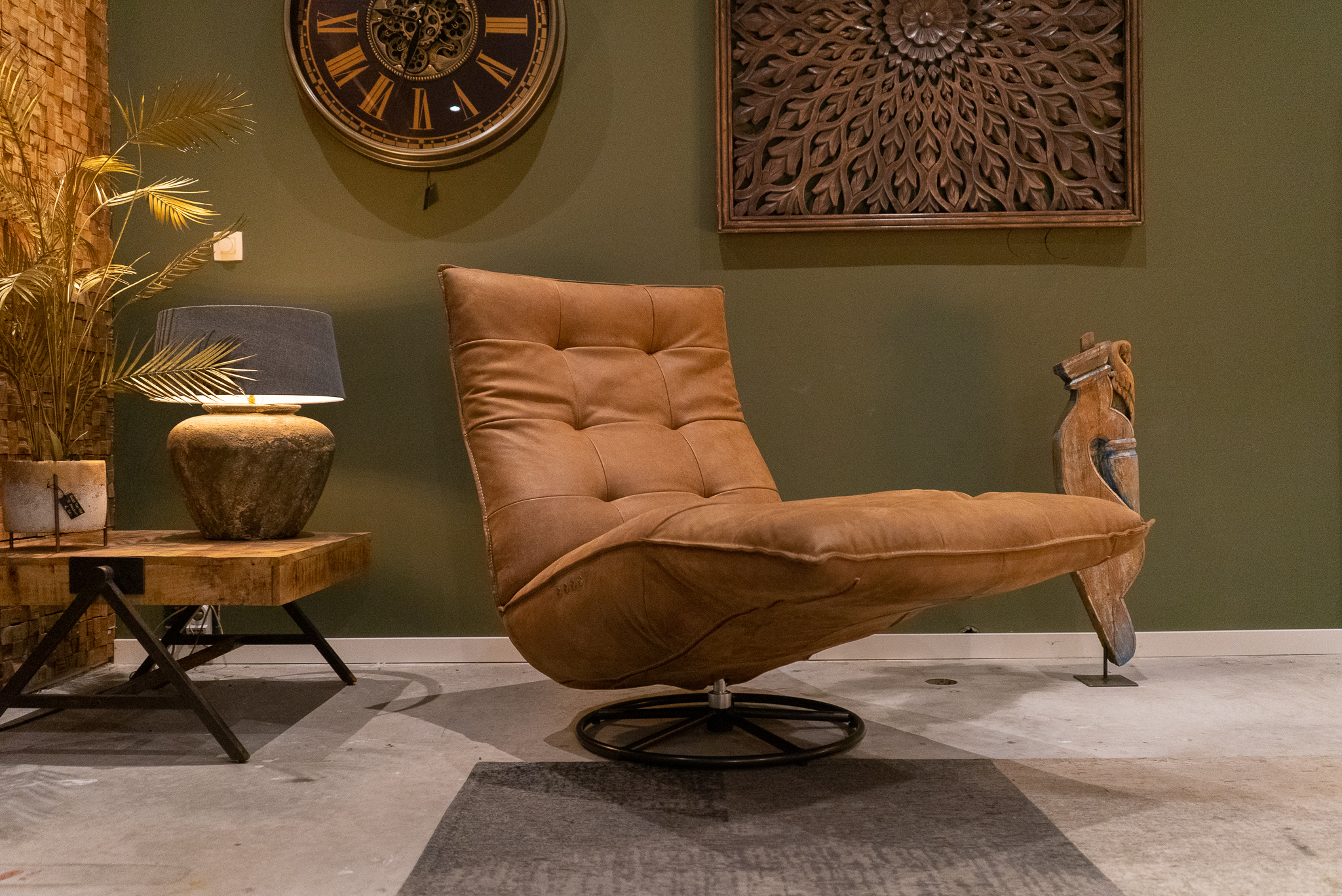 bruine stoel