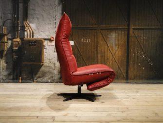 rode industriele stoel
