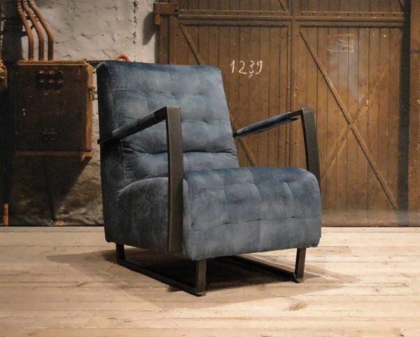 Stoere blauwe fauteuil