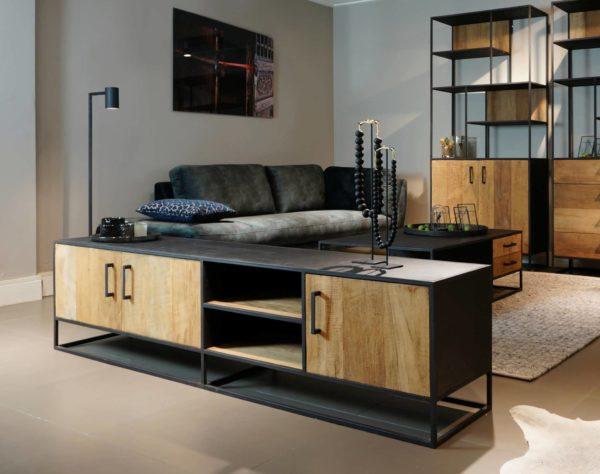 Stoer houten tv meubel