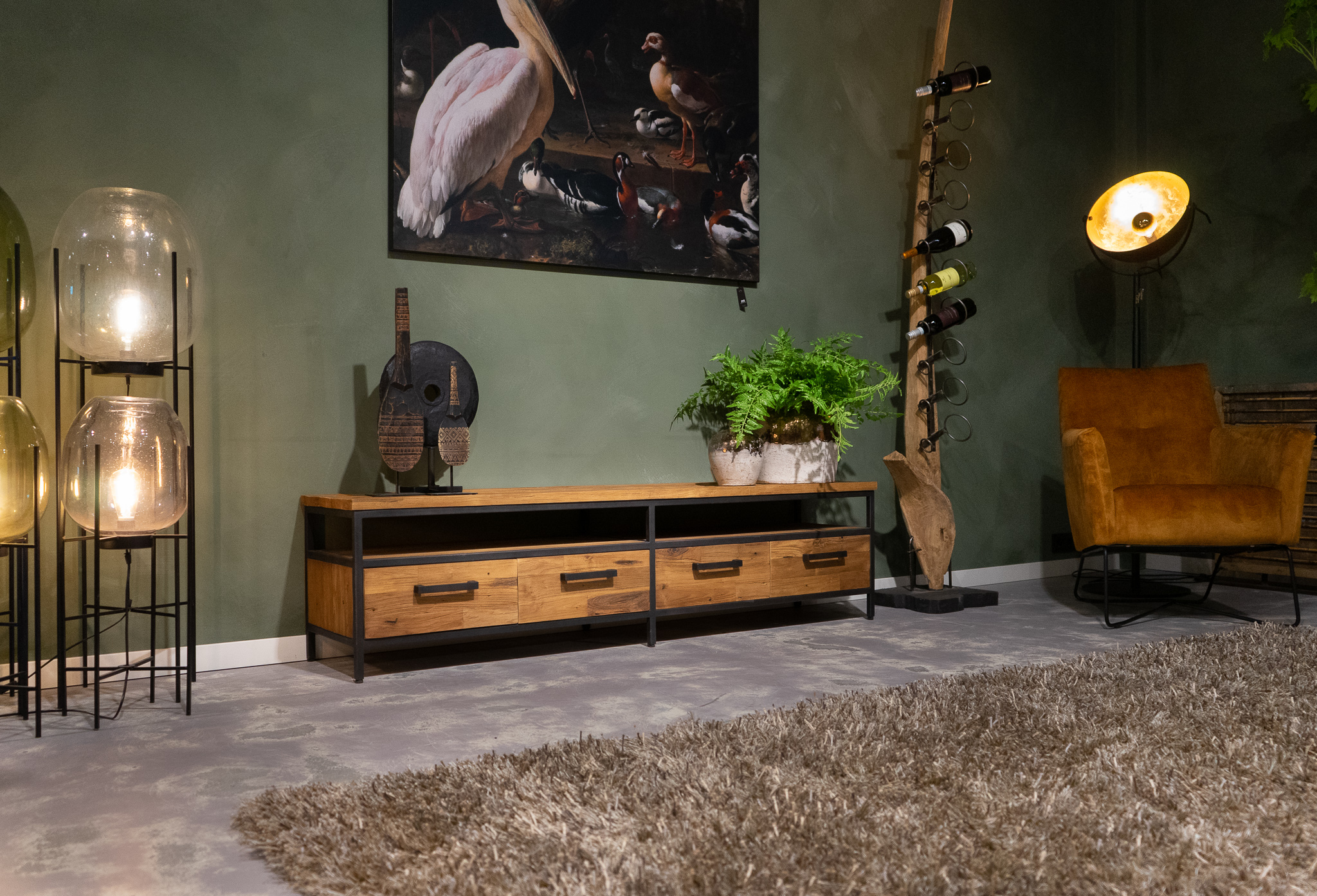 tv-meubel stalen accenten