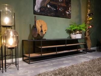 Groot tv meubel met veel ruimte