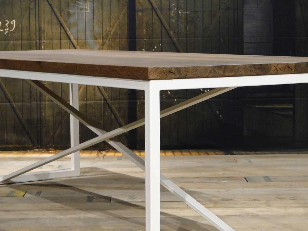 Wit Eiken Tafel : Industriele eettafel annecy van hergebruikt hout robuustetafels.nl