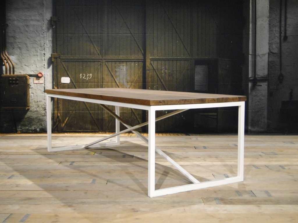 Wit Eiken Tafel : Industriele eettafel annecy van hergebruikt hout robuustetafels
