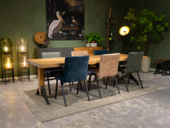 tafel met zetels