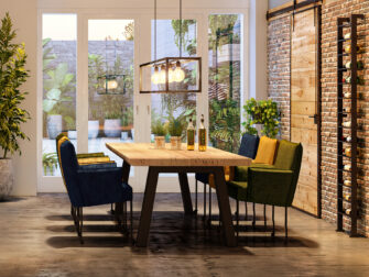 set van eiken tafel met 6 stoelen