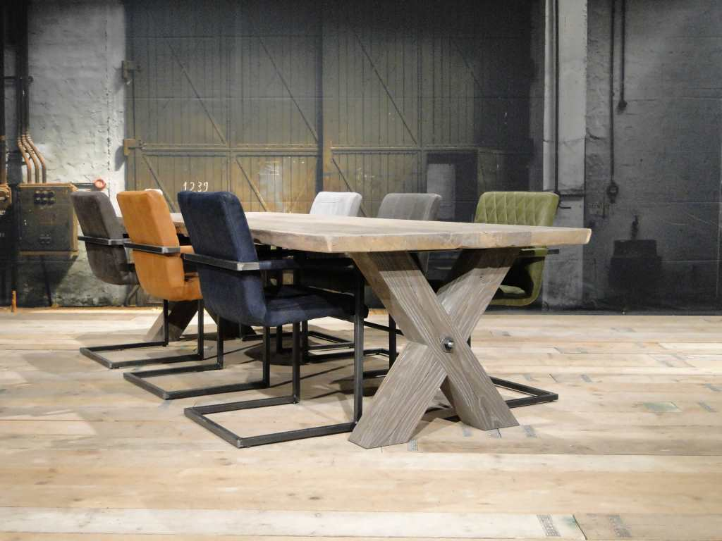 eiken tafel houten kruispoot