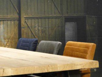industriele trapeze poot tafel