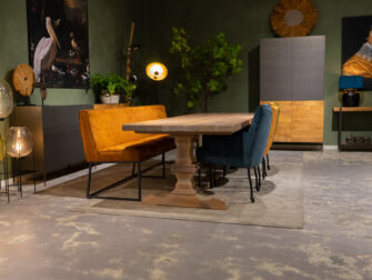 stijlvolle kloostertafel