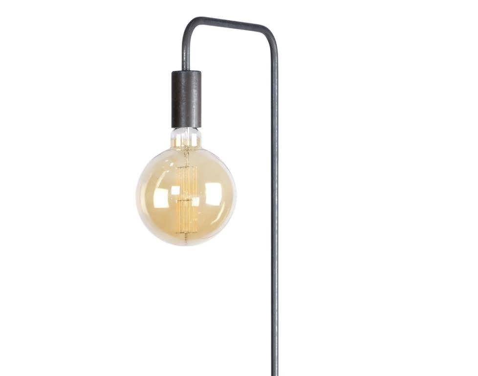 Industriële vloerlamp fortezza van industrieel staal met een e