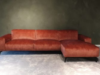 velvet bank chaise longue