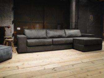 grijze lounge bank