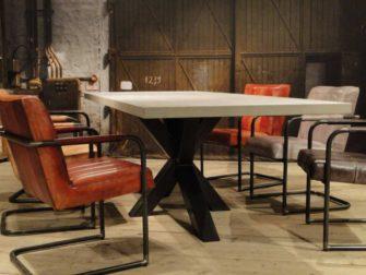 robuuste betontafel antibes