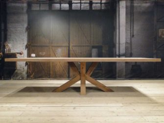 Tafel Chartres - 300x100 met 6cm massief standaard rustiek enkel gerookt oud eiken blad