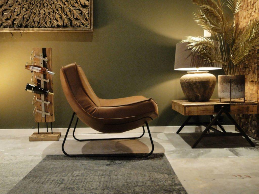 lekkere stoel uitgevoerd in leer