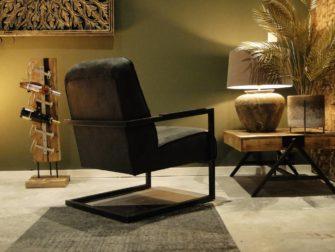 Stoere fauteuil met open frame