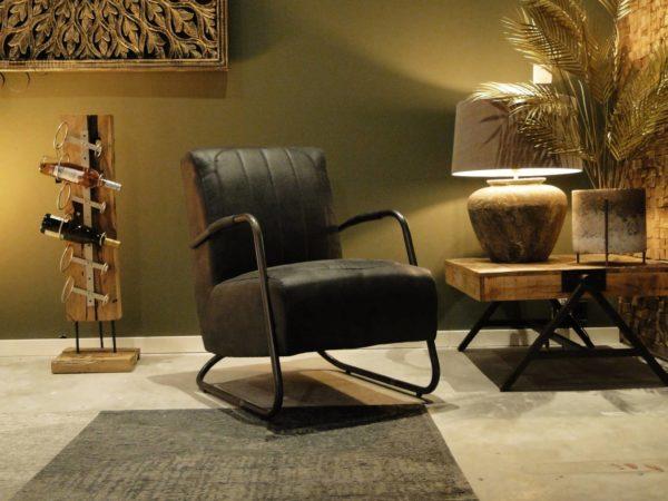 Zwarte industriele fauteuil