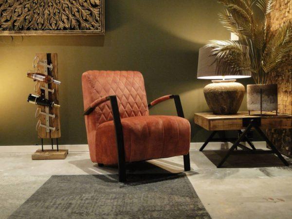 Roze fauteuil in zachte stof