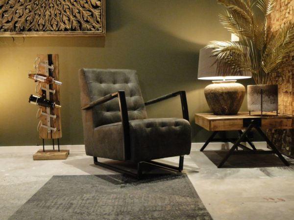 grijze industriële fauteuil