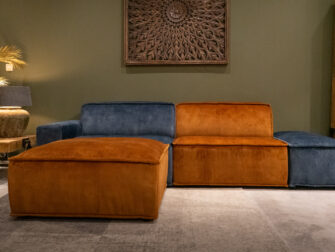 hocker - velvet cognac + anderhalf element arm links + anderhalf element - velvet cognac en hocker - velvet petrol