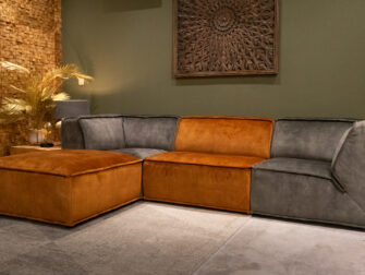 hocker - velvet cognac + hoek element - velvet hunter + één zits element - velvet cognac en hoek element - velvet hunter