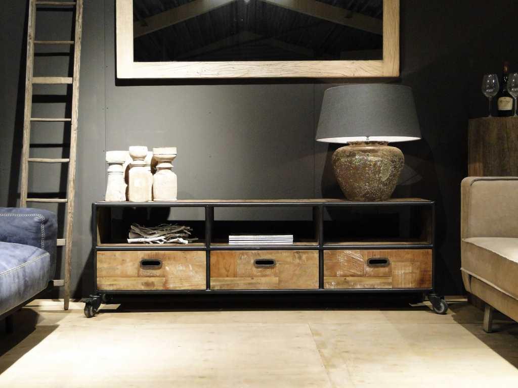 Meubels Op Wieltjes : Houten tv meubel met wieltjes te koop dehands be
