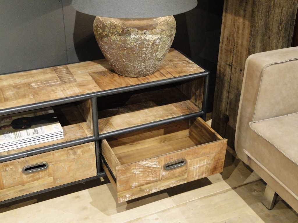 Industrieel tv meubel bezons van recycled teak for Goedkope industriele eetkamerstoelen