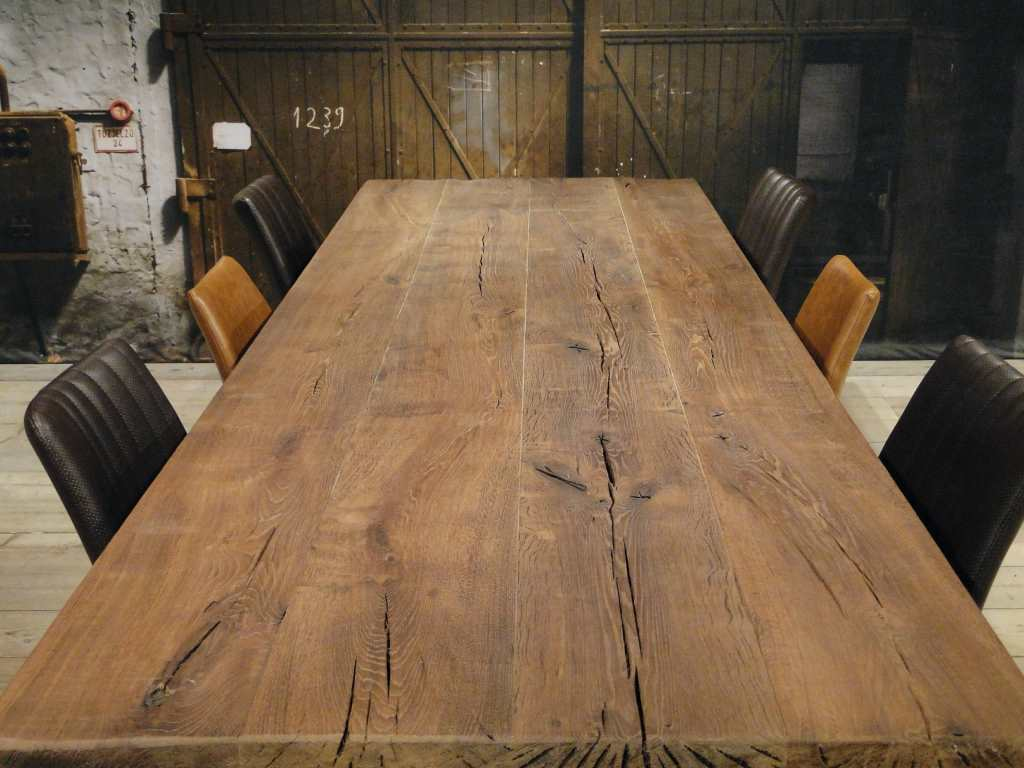 Industriele eettafel genarro massief eiken robuustetafels