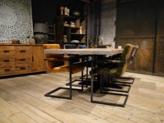 Eiken Tafel met stoelen
