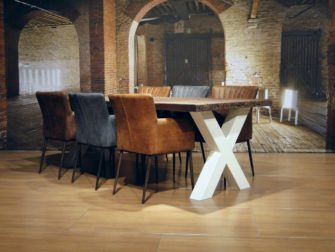 witte kruispoot tafel