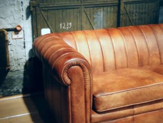 Chesterfield bank in het leer Cognac