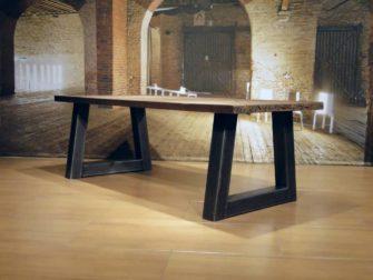 trapezepoot tafel