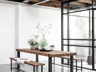 tafel met eetkamerbankje