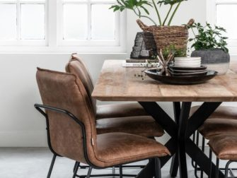 teak houten tafel